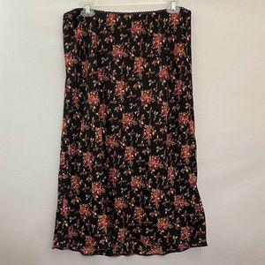 Black Floral MIDI Skirt Size L Q-27
